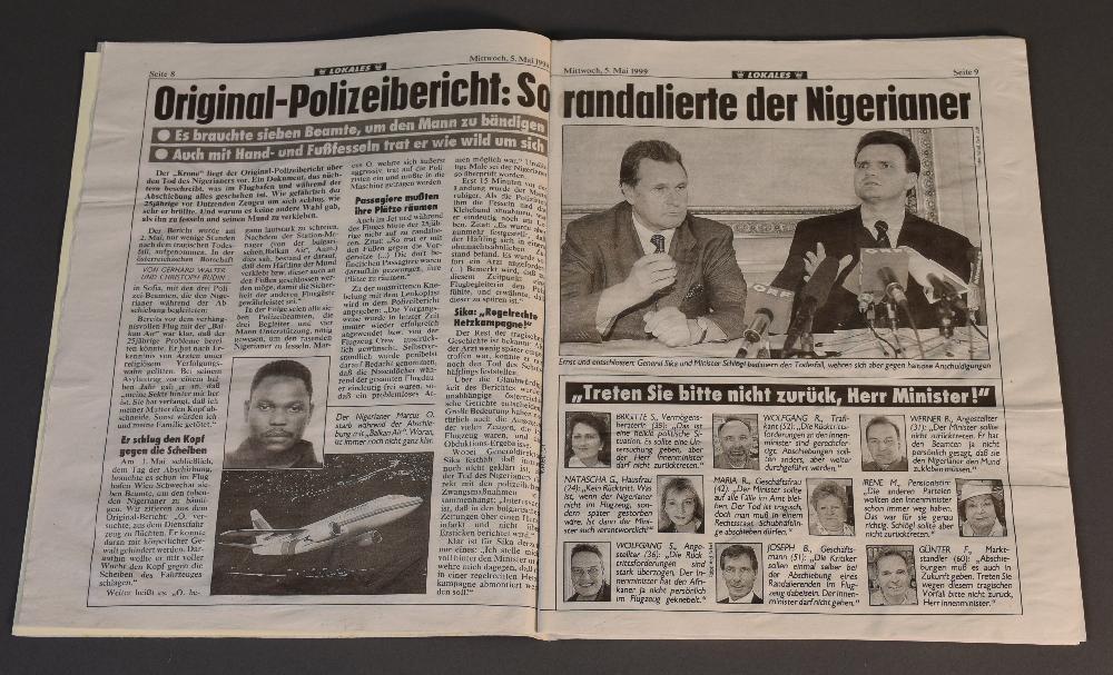 In einem Beitrag der Kronen Zeitung wird der getötete Schubhäftling als gewalttätig dargestellt und Innenminister Karl Schlögl (SPÖ) offen der Rücken gestärkt, 5.5.1999